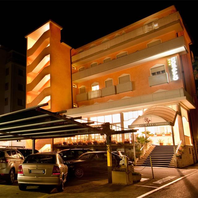 Hotel 3 stelle a jesolo hotel corallo for Hotel a barcellona 3 stelle